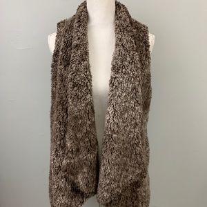 Knapp studio brown faux fur open front vest